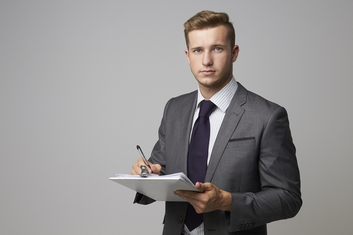 4 Reasons You Need Commercial Litigation Services